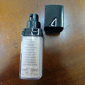 CHANEL Makeup - Chanel lift lumiere eye concealer 20 rose lumiere